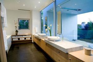kamar mandi kaca 300x199 25+ Kamar Mandi Minimalis Untuk Rumah Mewah