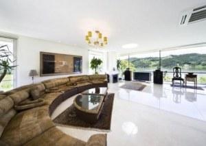 ruang tamu minimalis mewah 151 300x213 20 Desain Ruang Tamu Minimalis Untuk Rumah Mewah