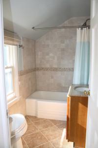 traditional bathroom 200x300 20 Desain Kamar Mandi Dengan Bathtub Terbaru