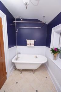 traditional bathroom2 200x300 20 Desain Kamar Mandi Dengan Bathtub Terbaru